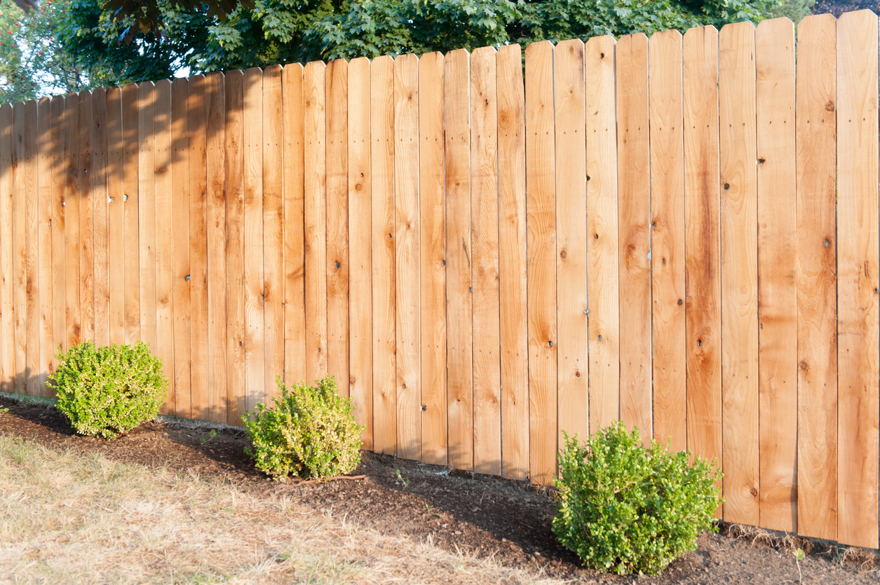 Wood Fence Builder In Long Beach MS